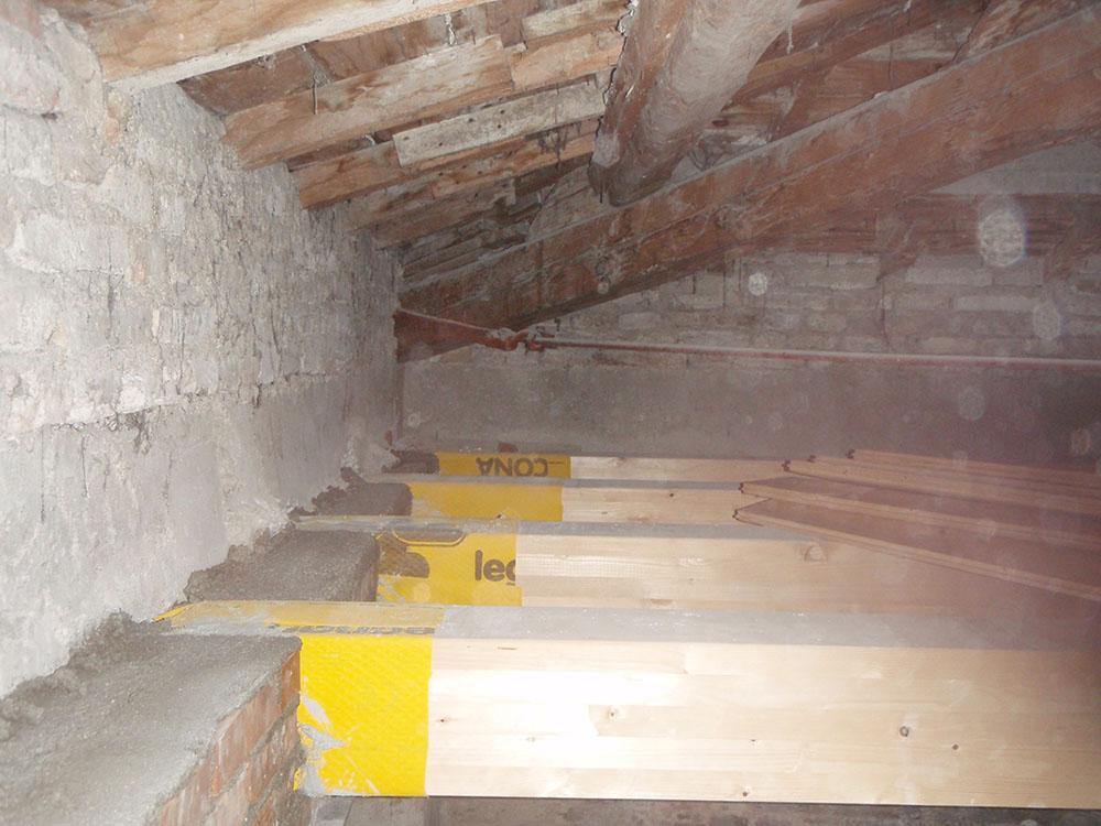 Edificio muratura 08 for Piccola casa costruita su fondamenta