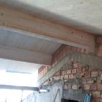 Fissaggio travi in legno copertura su muratura esistente